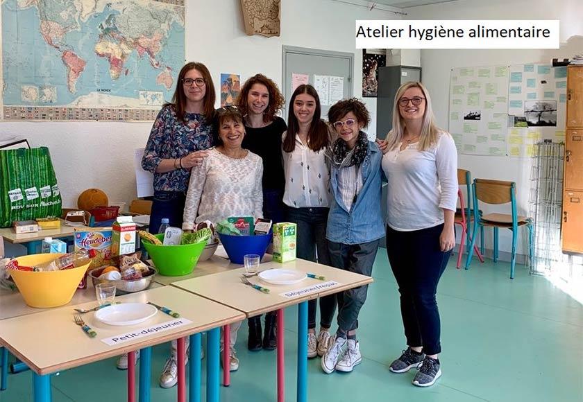 l'atelier hygiène alimentaire, avec les étudiantes infirmières et leurs formatrices.