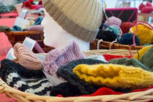 Marché de Noël - stand de tricots